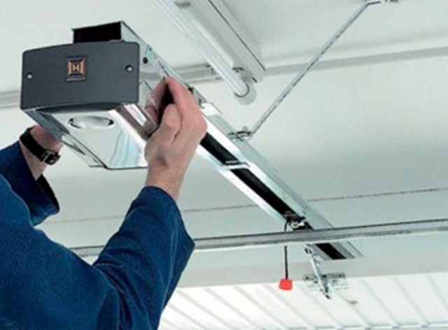 Garage Door Repairs and Servicing